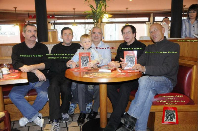 Une photo d'anciens avec le fils de Jean-Michel  135609_1536458971...605906_o-41a736d