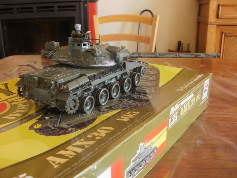 Tryptique AMX30 105 [1/35 Heller Humbrol et Meng] - Page 2 P7150305-3ff339b
