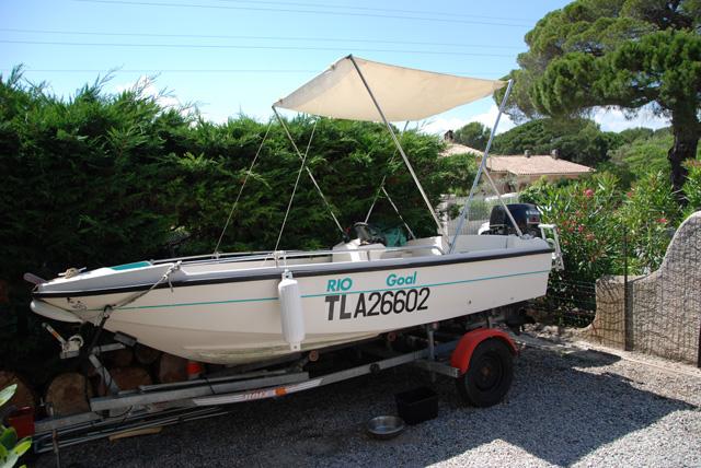 bateau v cat carbonel